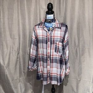 NWT Knox Rose plaid shirt with lace back.